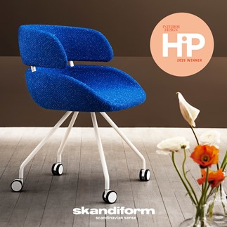 Fendo armchair winner of the HiP Award for best Workplace Seating